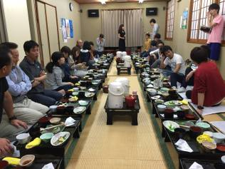 夕飯の席by永森さん